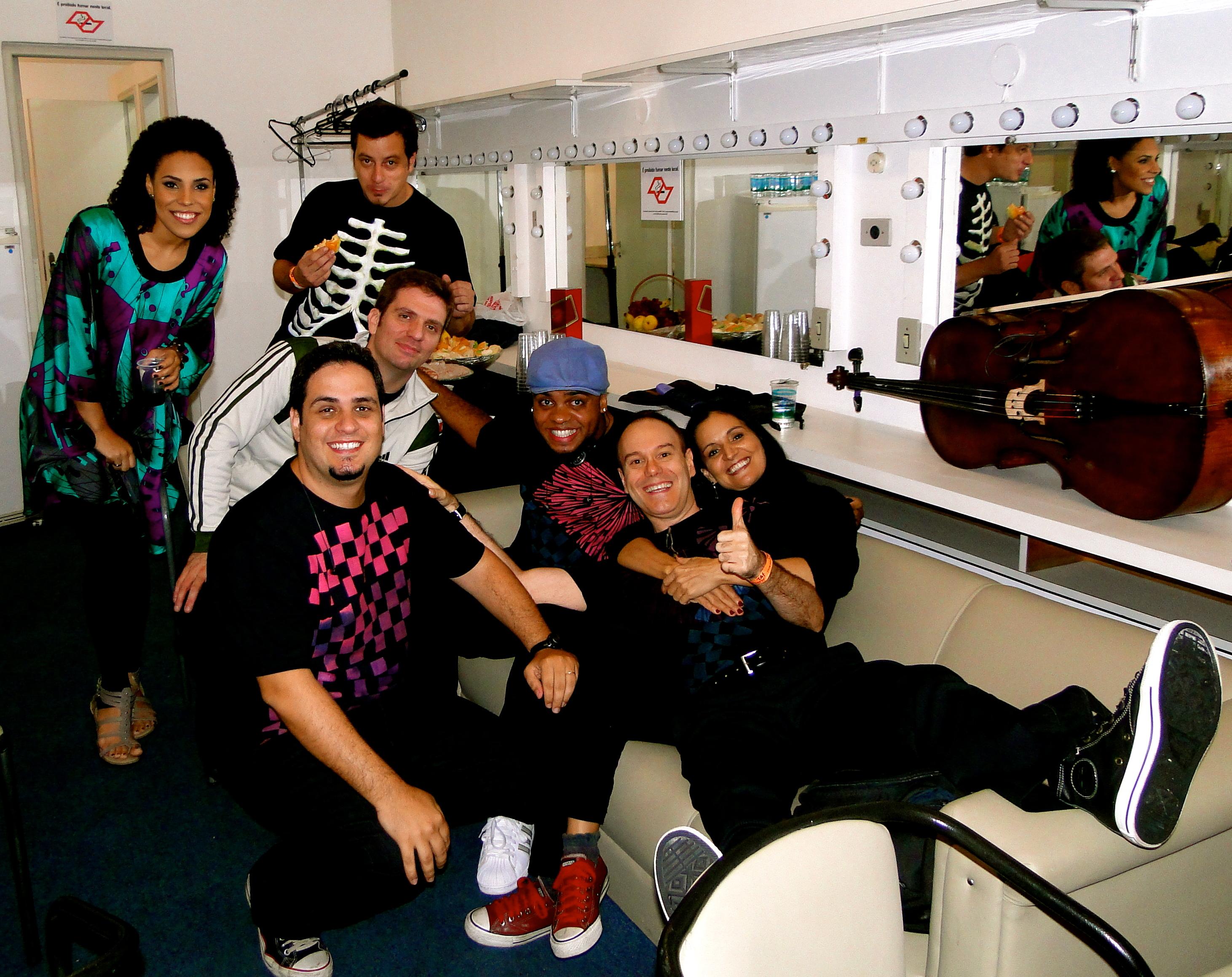 Banda Luíza Possi dando um relax antes da gravação do DVD ao Vivo. (2009)