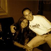 Com a cantora e compositora Marlui Miranda. Gravação do CD Tatanka. (2000)
