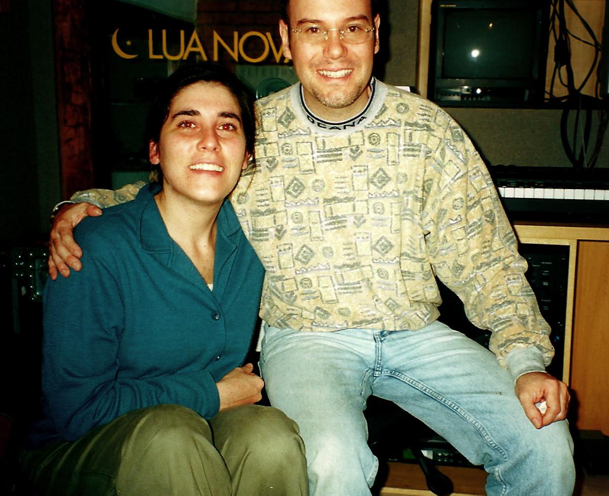 Com a cantora Mônica Salmaso. Gravação do CD Tatanka. (2000)
