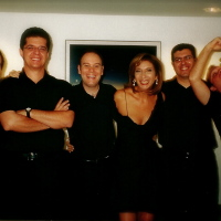 No Lançamento do Show BOSSA, com Zizi Possi e Grupo. (2002)